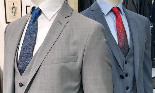 Für Männer empfiehlt sich meist Anzug und Krawatte